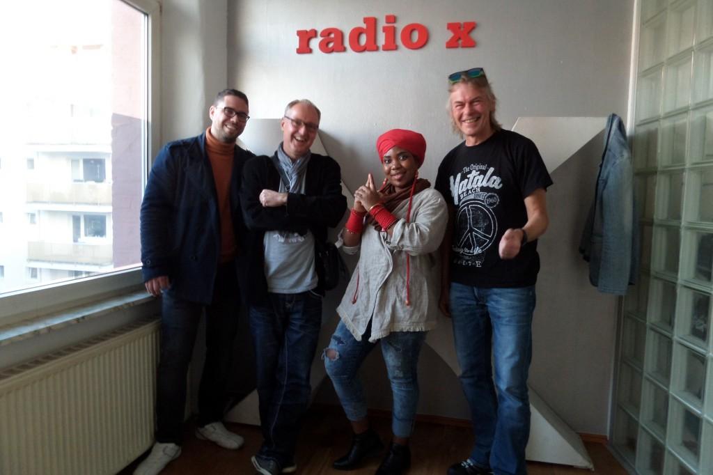4da89b86716399 Hörnerv   260 mit YVONNE MWALE BAND   Weltmusik aus Rhein-Main ...