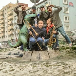 Revolte Tanzbein mit Dino